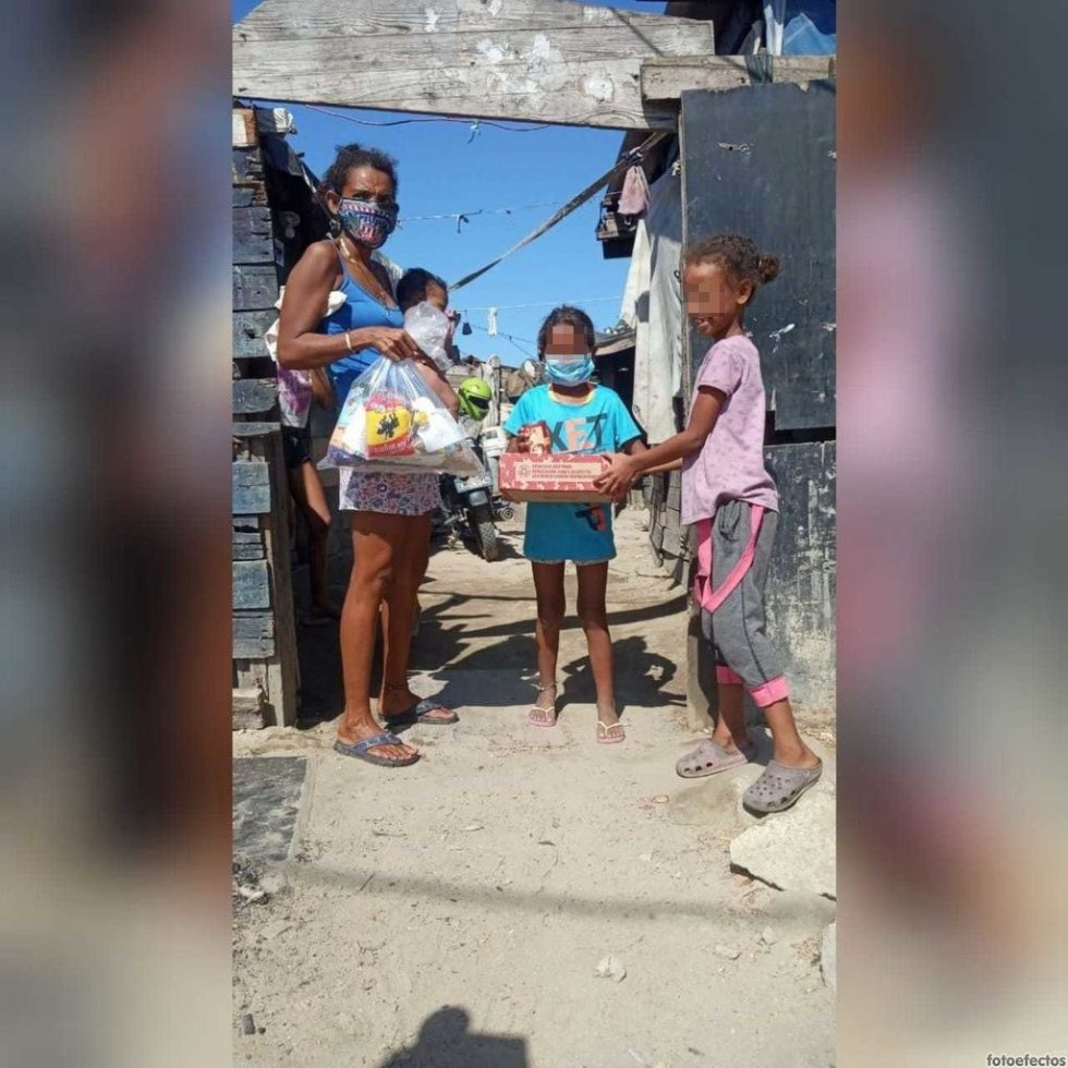 Las familias también recibieron ayudas alimentarias por parte de Nu3