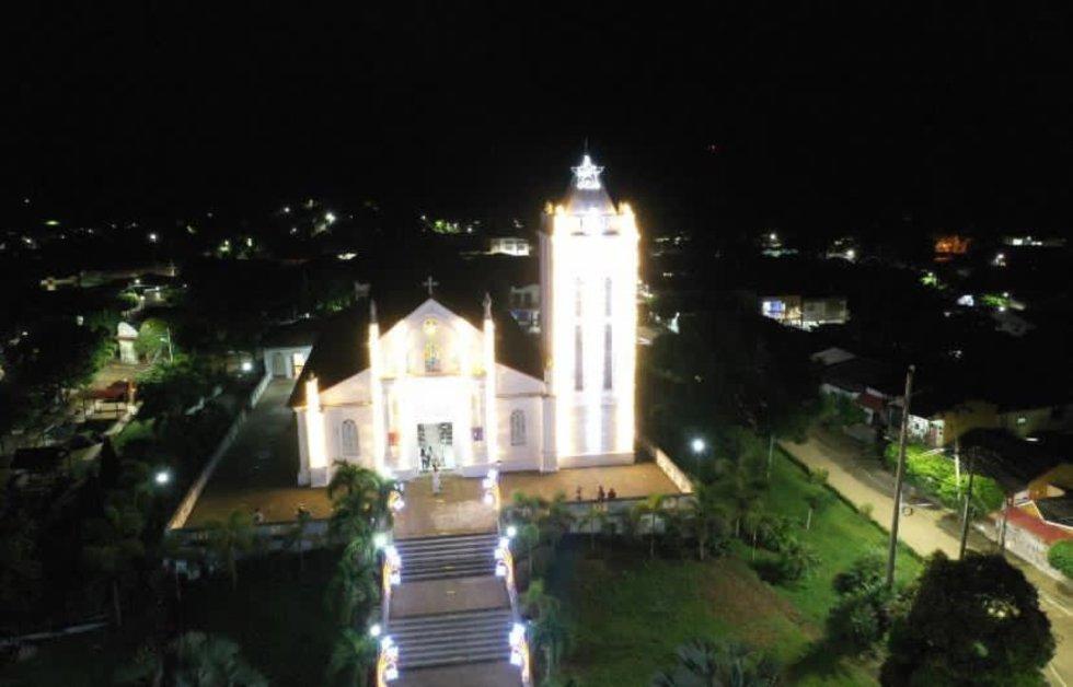 San Juan Nepomuceno, enclavado en el corazón de los  Montes de María, recibe la Navidad con un alumbrado que decora los sectores principales del municipio.