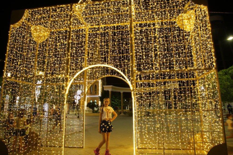 La plaza de Turbaco con su majestuoso alumbrado navideño.