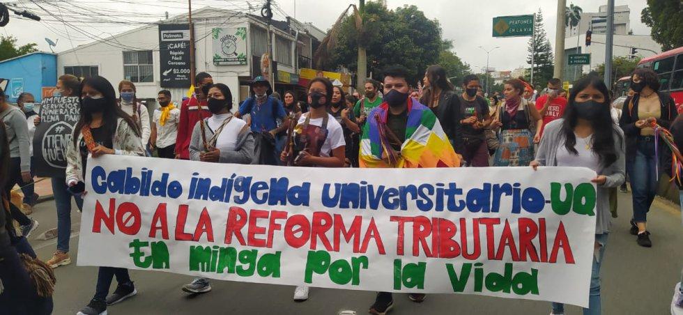 Las comunidades indígenas universitarias también se hicieron presentes