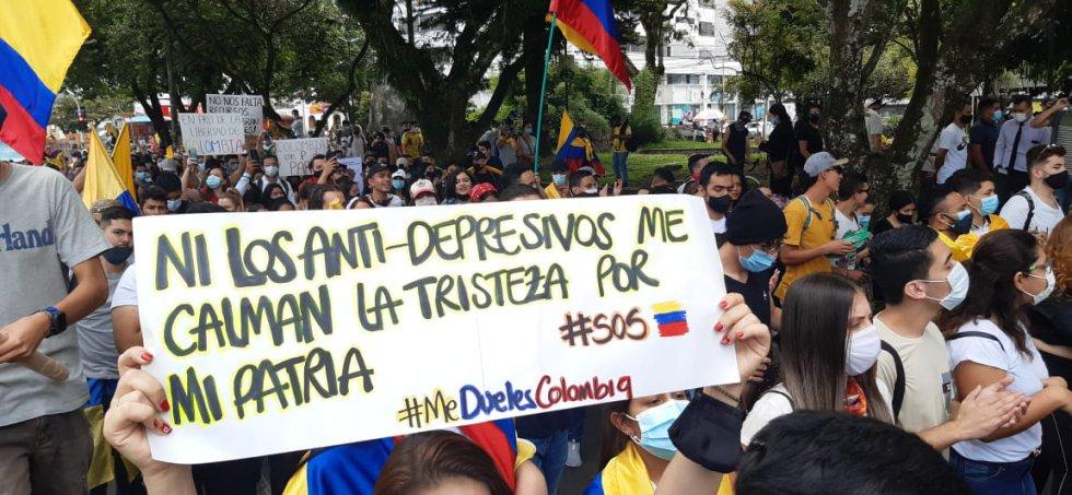 Los carteles fueron parte esencial de la marcha en Armenia