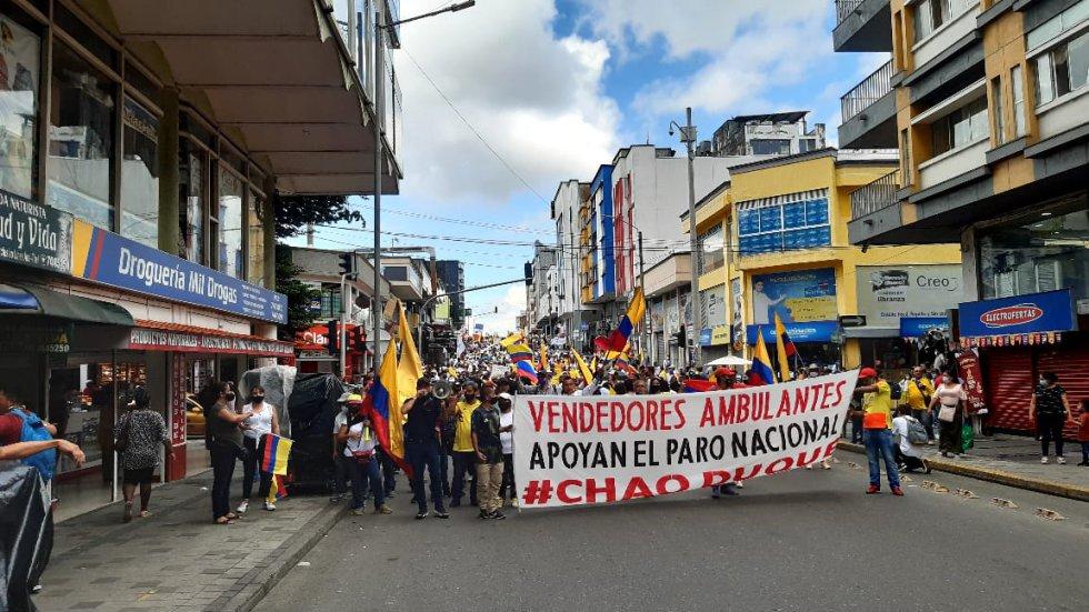 Vendedores informales del centro de Armenia apoyan el paro