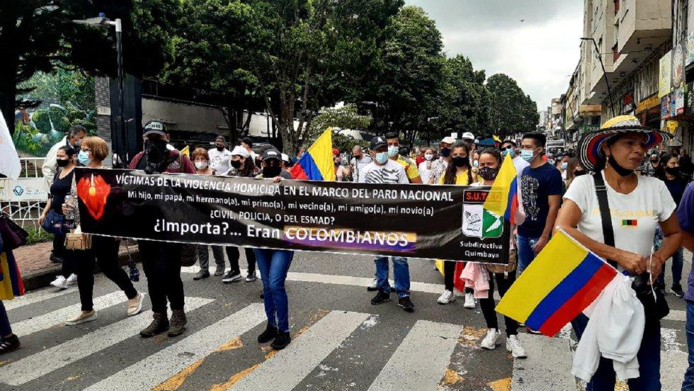 Los marchantes rechazaron la violencia en medio de la protesta social