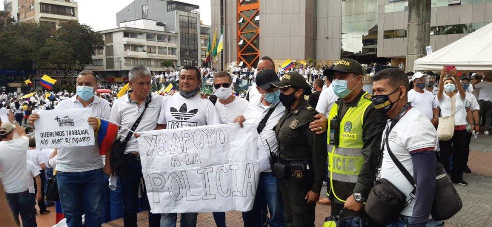 Los ciudadanos reconocieron la labor de la Policía, durante la marcha
