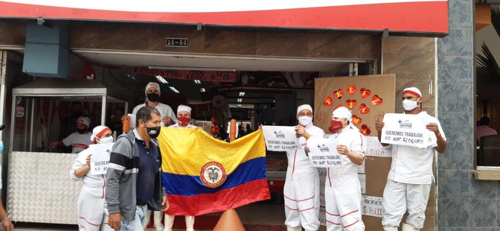 Los trabajadores del comercio  del centro de Armenia apoyaron la marcha