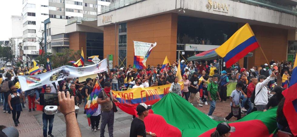 Las comunidades indígenas encabezaron la marcha en la capital del Quindío