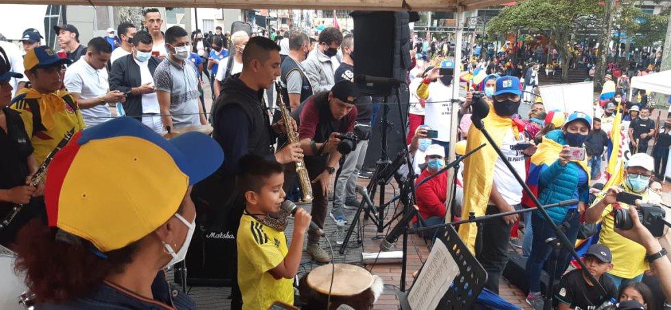 Los niños a través de la música también participaron de la jornada de protesta