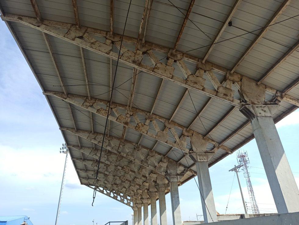Techo del estadio Humberto René Urrea
