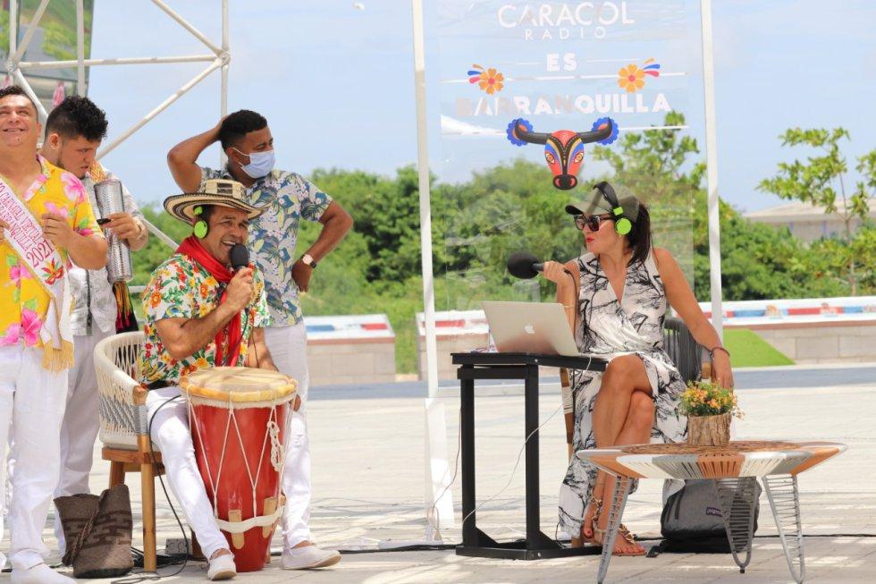 Vanessa De la Torre y Pedro Tapias, director de la agrupación Cumbia Caribe