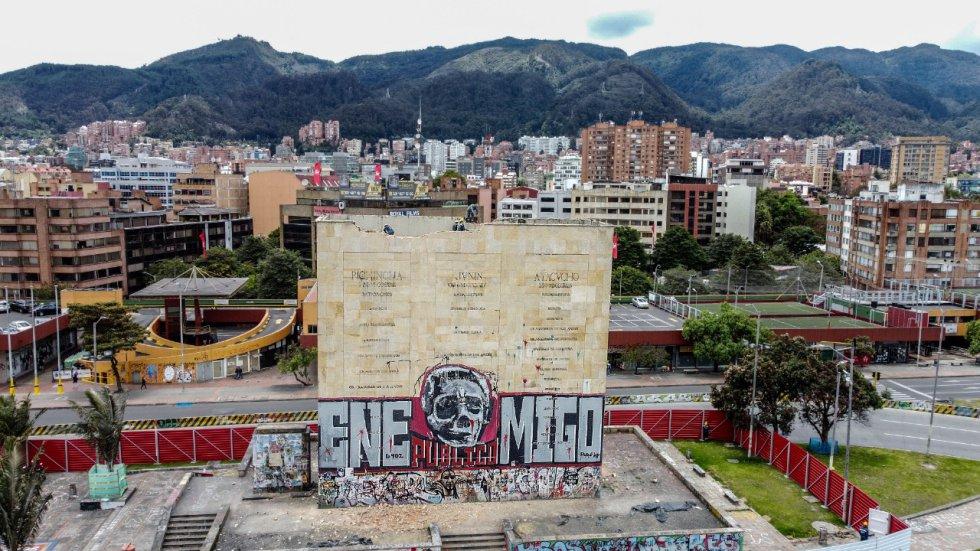 Comenzó la demolición del monumento de Los Héroes en Bogotá