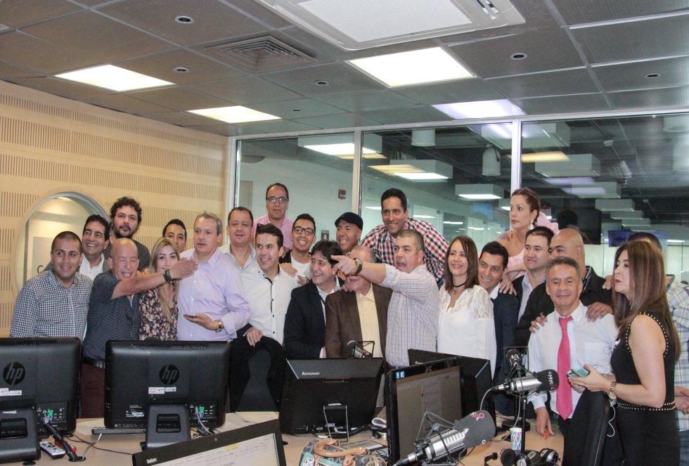 La Luciérnaga de Caracol Radio cumple 25 años llevando información y humor a los colombianos