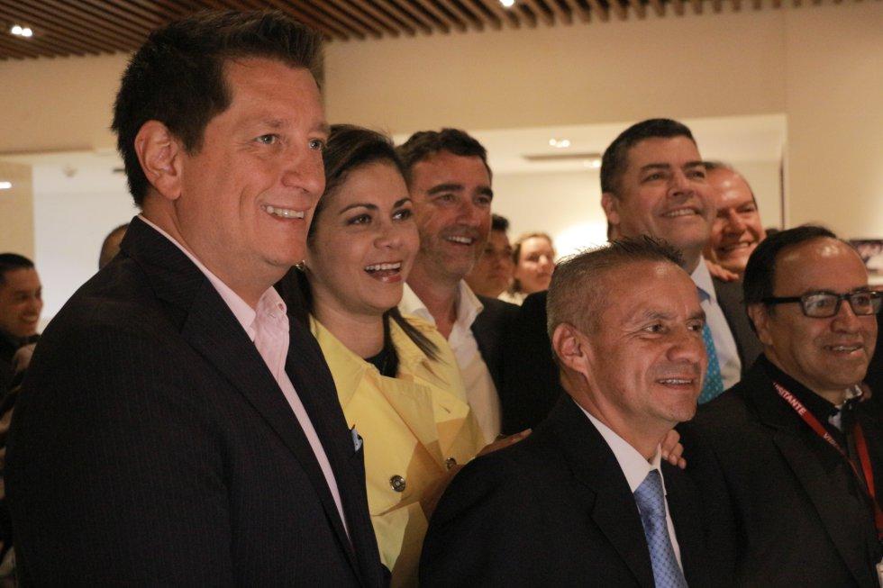 El programa La Luciérnaga completó 25 años al aire. En la foto: Gabriel Delacasas, Martha Ordóñez, Jon Ruiz, Gustavo Gómez, Juan Ricardo Lozano 'Alerta' y Fabio Daza.