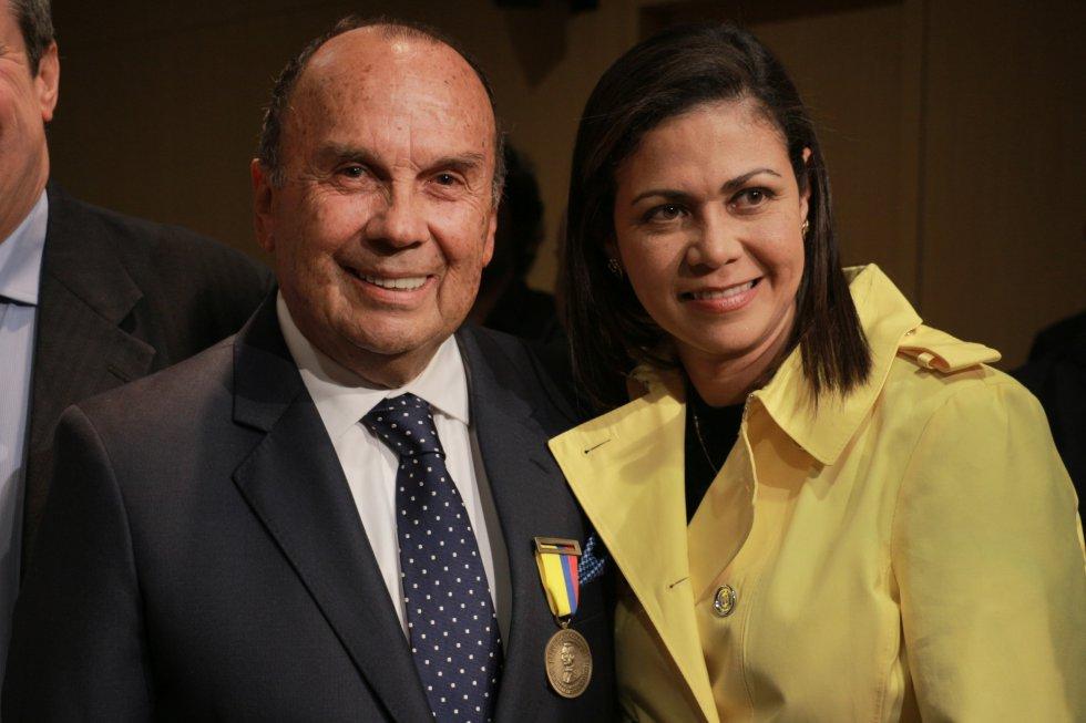 Hernán Peláez y la periodista Martha Ordóñez trabajaron en La Luciérnaga.