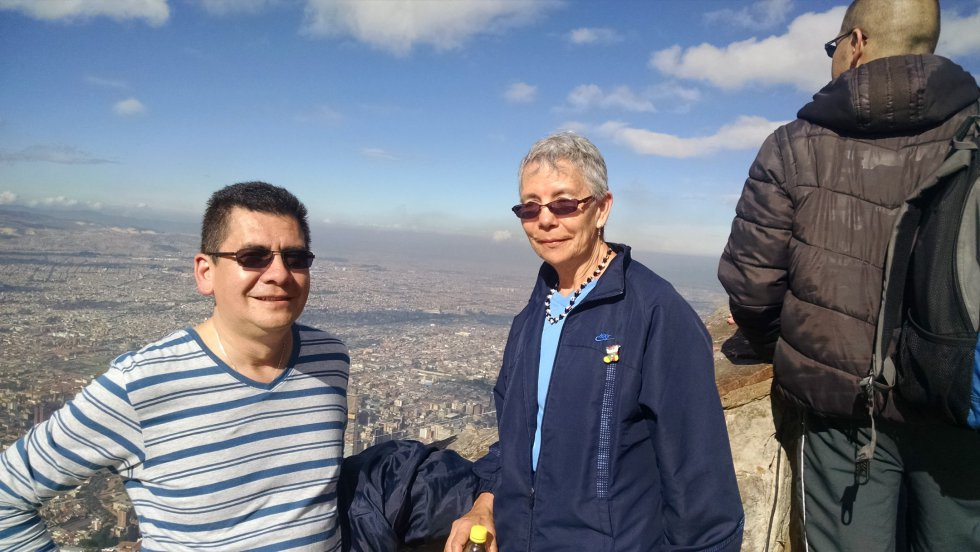 @dosypuntoradio mi madre es el más bello ser que cada vez me hizo y me hace mejor.