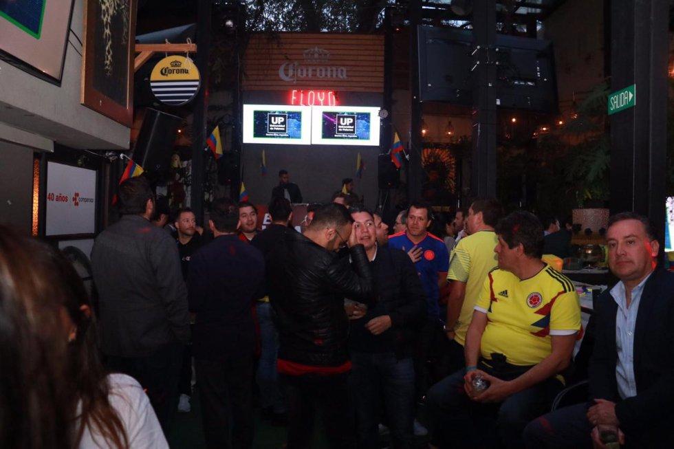 La Luciérnaga en el Bar del VBar