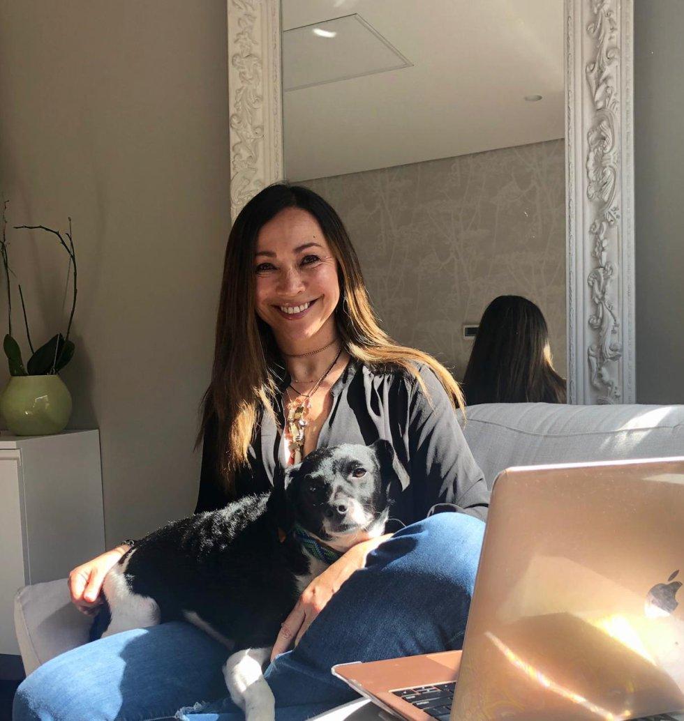 D'arcy Quinn, periodista de 6AM Hoy por Hoy y directora de Mascotas Caracol, no oculta el amor por sus mascotas.