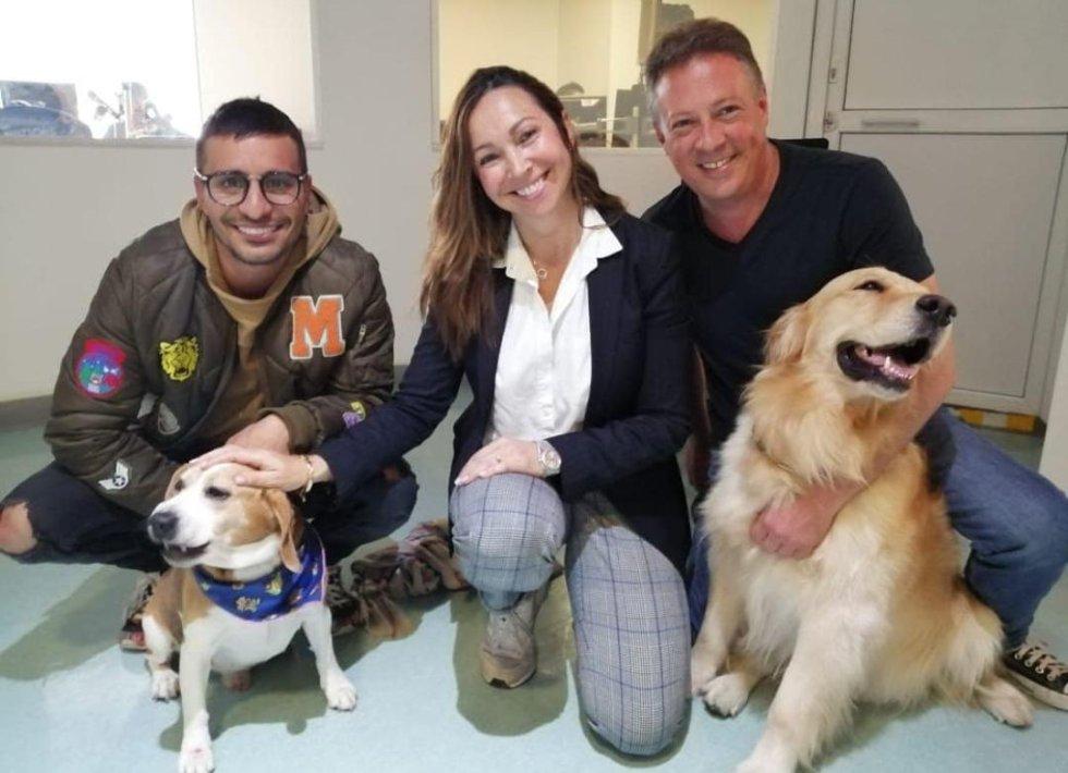 Gustavo 'Tavo' Bernate del equipo de Oxígeno By Los 40 junto a Darcy Quinn y Mark Lee de Mascotas Caracol.