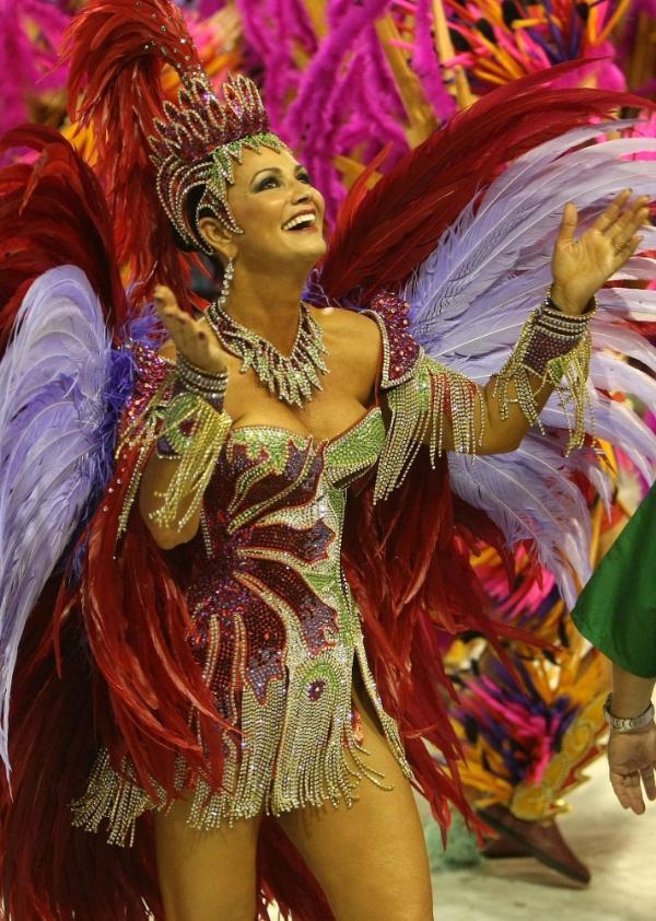 Una 'fantasía' (traje) para desfilar en el sambódromo cuesta en promedio más de 500 dólares.