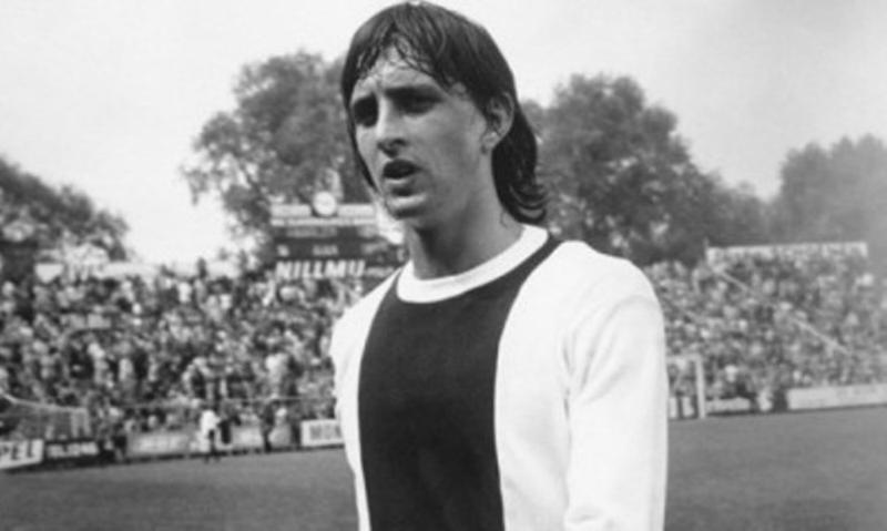 Johan Cruyff (Holanda) Tres veces ganador del Balón de oro, 1971, 1973, 1974.