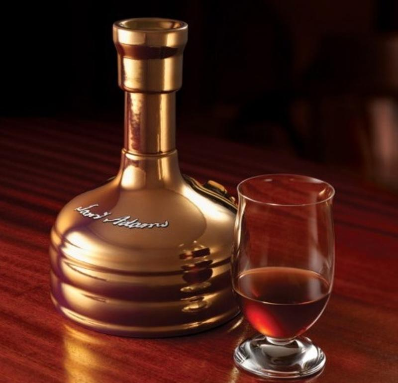Samuel Adams' Utopias: Se almacena en barriles de roble y fue prohibida en trece Estados debido al contenido de alcohol. Precio: alrededor de $300.000 por una botella de 700 ml.