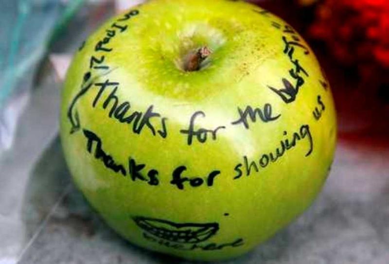 El mundo rinde homenaje a Steve Jobs