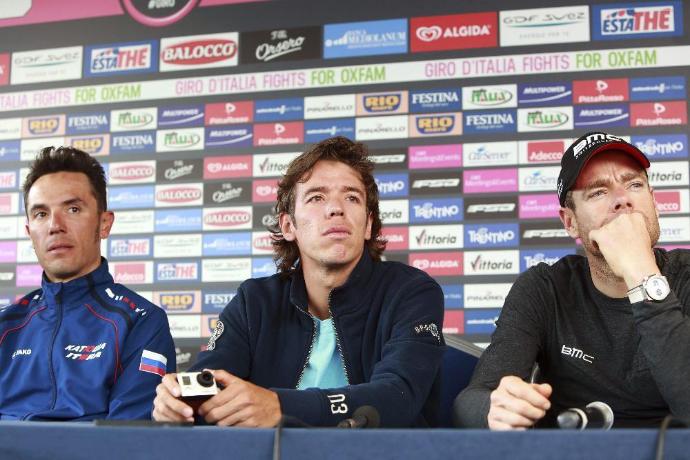 Los favoritos Nairo Quintana, Rigoberto Urán, Joaquim Rodríguez, Cadel Evans, Michele Scarponi presentaron el Giro en Belfast.