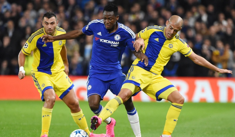 Chelsea golea en su debut en Champions League