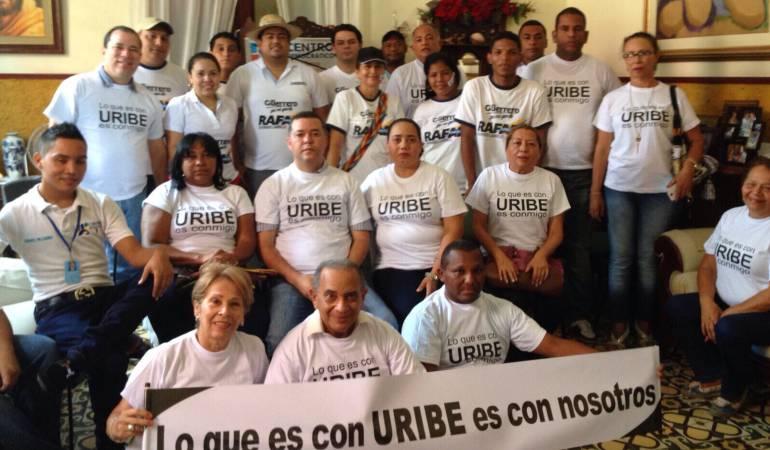 Uribistas lanzan campaña: Lo que es con Uribe es conmigo | Política |  Caracol Radio