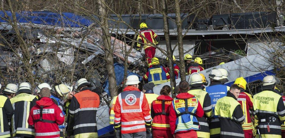 Imágenes del accidente de tren en Alemania: [En fotos] Impresionante choque de trenes en Alemania