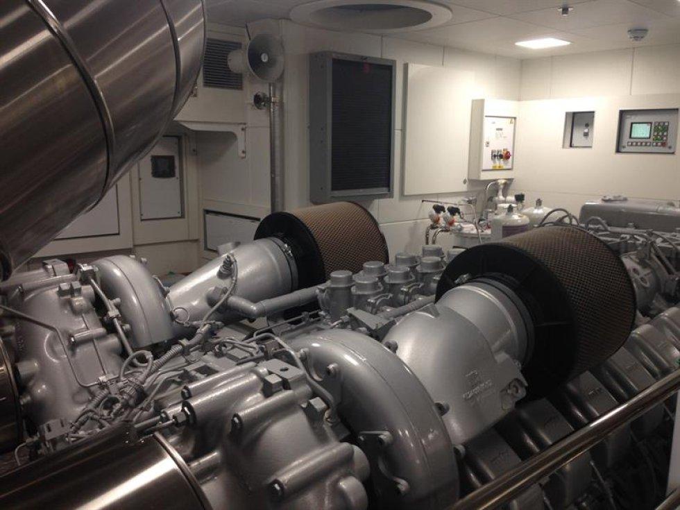 """Fotografía de la sala de motores del yate """"Silverfast"""", una joya de la famosa compañía Burgess, en la feria Yacht Miami Beach."""