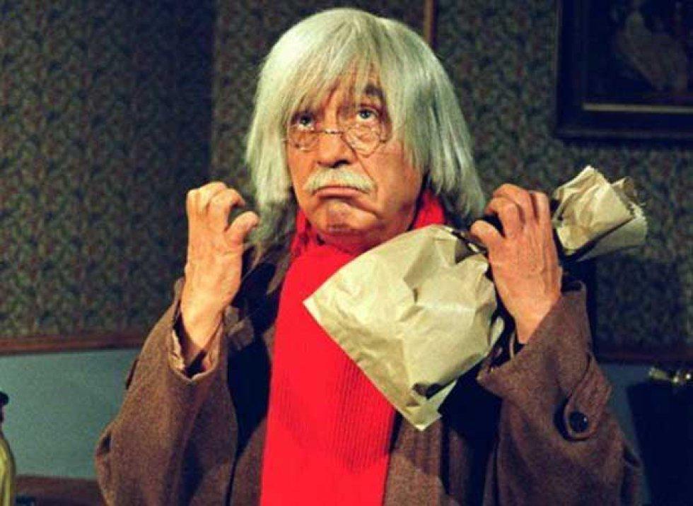 Roberto Gómez interpretando al Doctor Chaptín