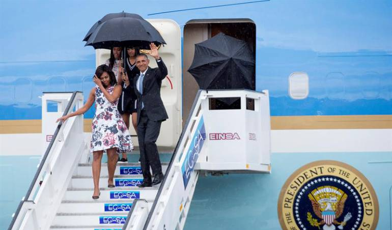 Visita de Barack Obama a Cuba: ¿Que bolá Cuba? Just touched down here: Obama al llegar a La Habana