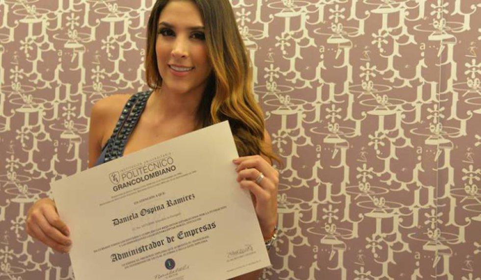 """""""Querer es poder"""", dijo Daniela Ospina al celebrar su grado como Admnistradora de Empresas del Politénico Grancolombiano, momento que compartió con sus seguidores en redes sociales."""