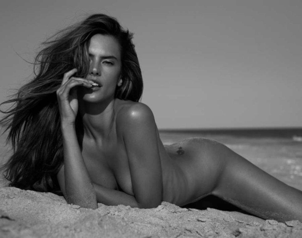 Alessandra Ambrosio nació en Erechim, Brasil, el 11 de abril de 1981.