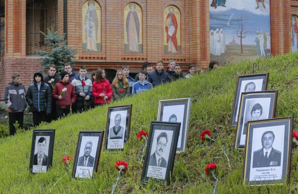Viudas, huérfanos, amigos y familiares de las víctimas del accidente nuclear conmemoran 30 años de la tragedia