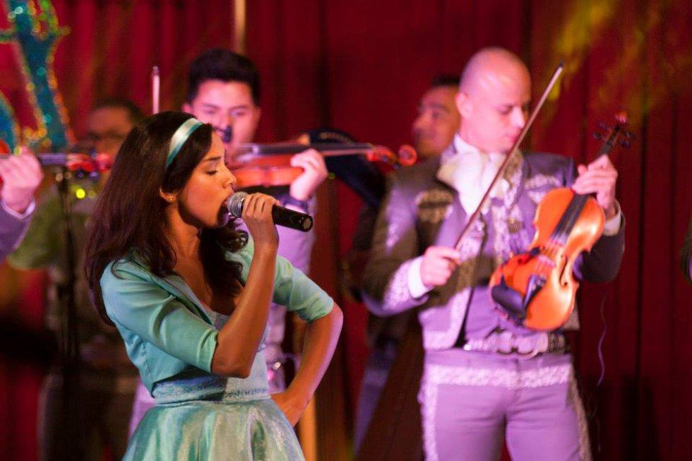 En el año 2014 hace el papel de Helenita Vargas en 'La Ronca de Oro'.