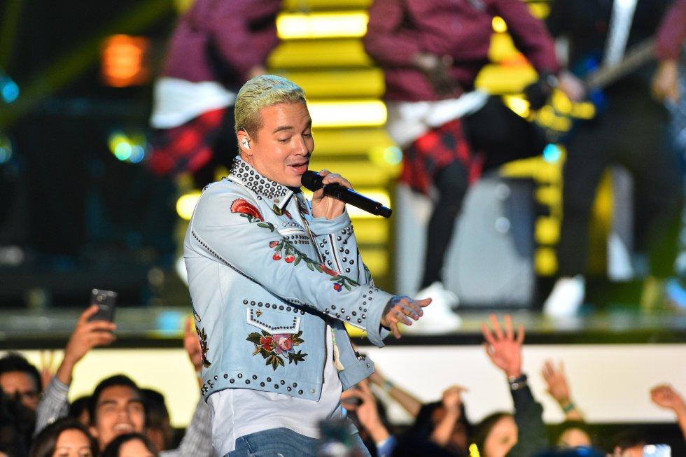 En una ceremonia en la que el reguetón fue protagonista, el colombiano demostró que sus canciones son garantía de éxito.
