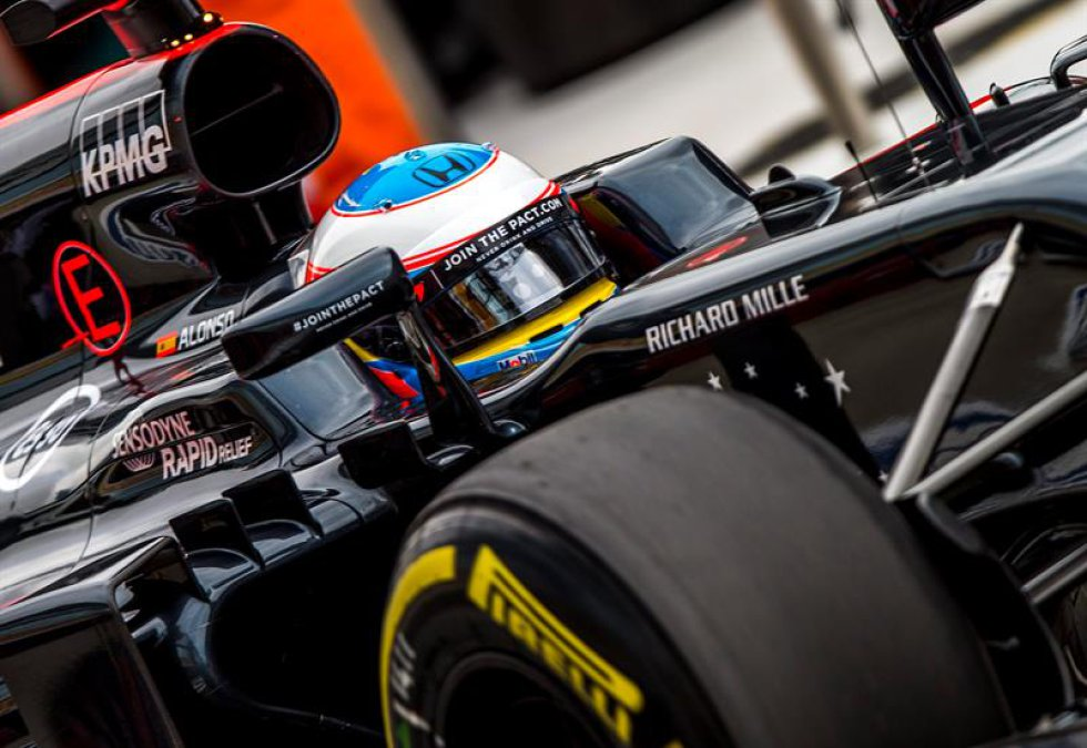 El español Fernando Alonso también hace parte de los pilotos que ya ruedan en Sochi