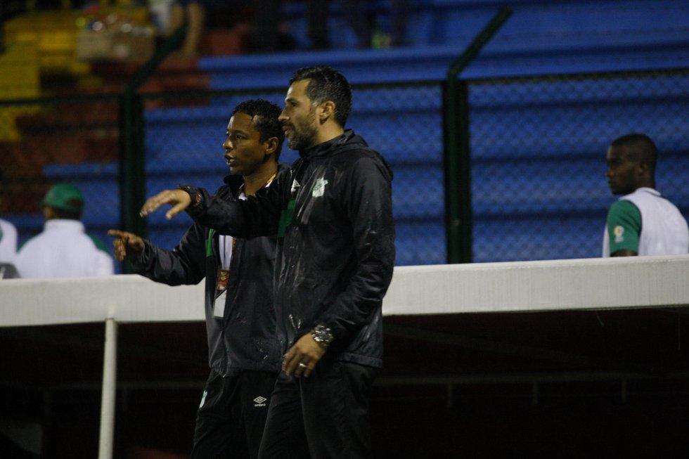 Galería Yepes Deportivo Cali Director Técnico: En imágenes: Yepes palpitó su primer partido como técnico del Cali