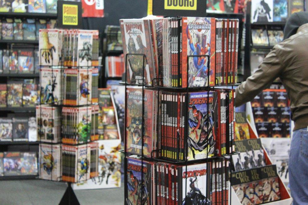 El stand de Spiderman, donde más de 500 personas al día lo visitan para disfrutar los cómics del superhéroe arácnido de Marvel cómics.
