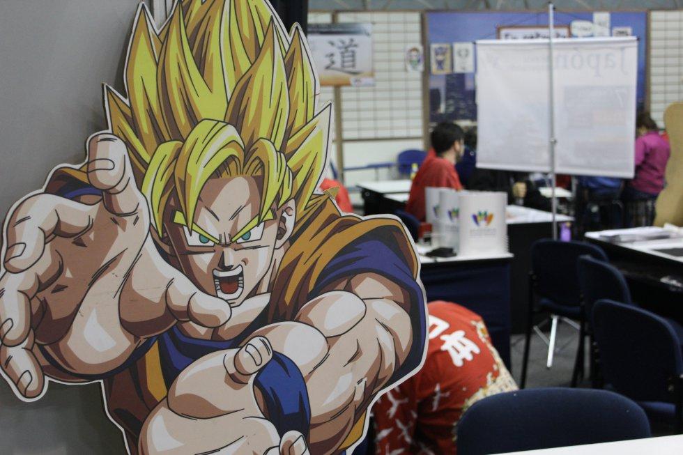Junto a Doraemon se sitúa uno de los personajes más recordados por los fans de los anime, Goku en su fase 2.
