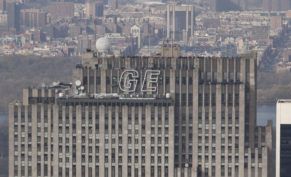10. General Electrics evaluada en 36.7 billones de dólares.