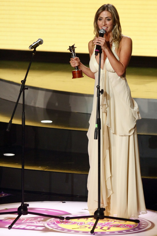 Fue ganadora de uno de los premios que se otorgan en la gala de los TVyNovelas, por su participación en 'A corazón abierto'.