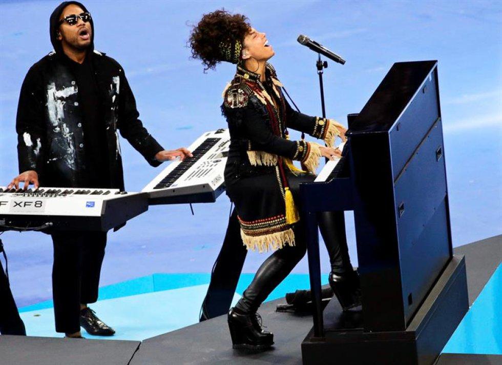 Alicia Keys cantó New York, una de sus canciones más conocidas en su carrera.