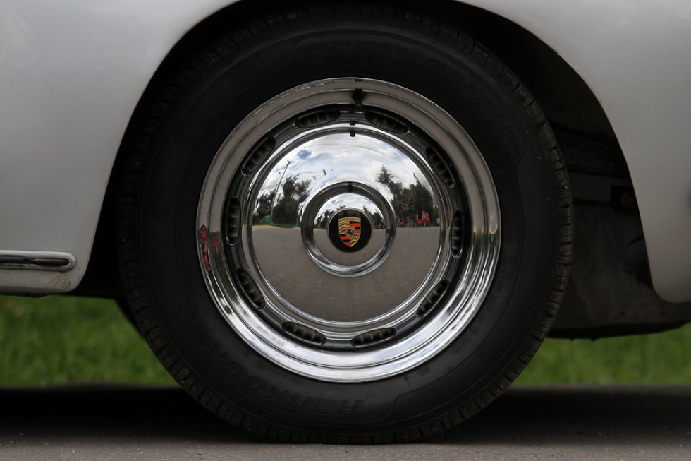 Se encuentran modelo Porsche 356, 356 B el cual tiene un motor de 1.600 centímetros cúbicos.