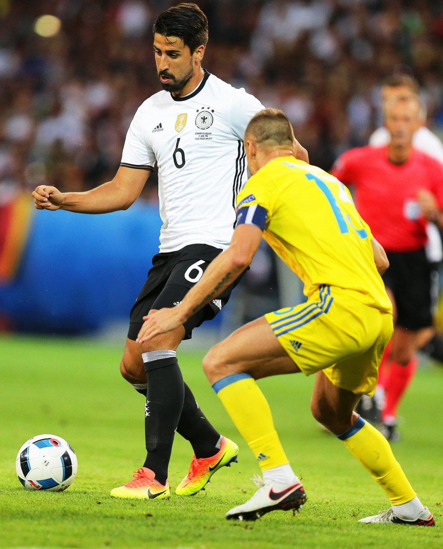Alemania maneja el balón en los primeros minutos de juego.
