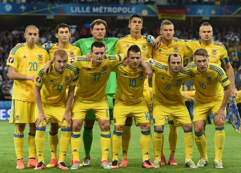 El equipo inicial de Ucrania para enfrentar a Alemania.