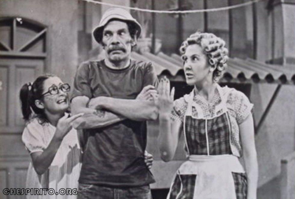 A pesar de que varios actores ya fallecieron, como el reciente caso de Rubén Aguirre, quien interpretó al 'Profesor Jirafales', los personajes que aun viven y el público de la serie recuerdan como si fuera ayer el primer capítulo emitido que hoy celebra 45 años.