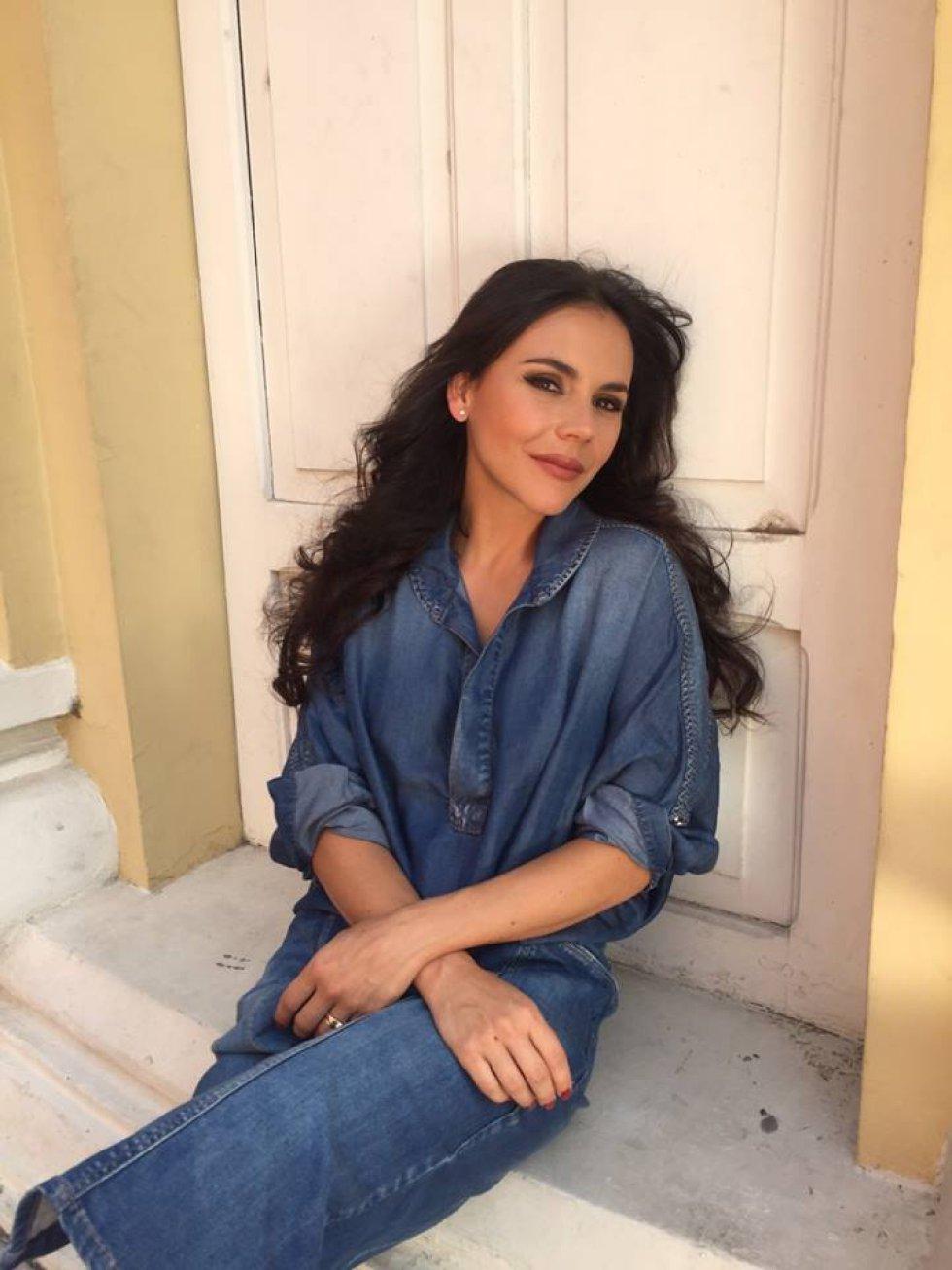 La actriz y cantante tuvo que explicar con un mensaje abierto a sus fans que su bajada de peso tiene relación con el nuevo personaje que interpreta en TV.