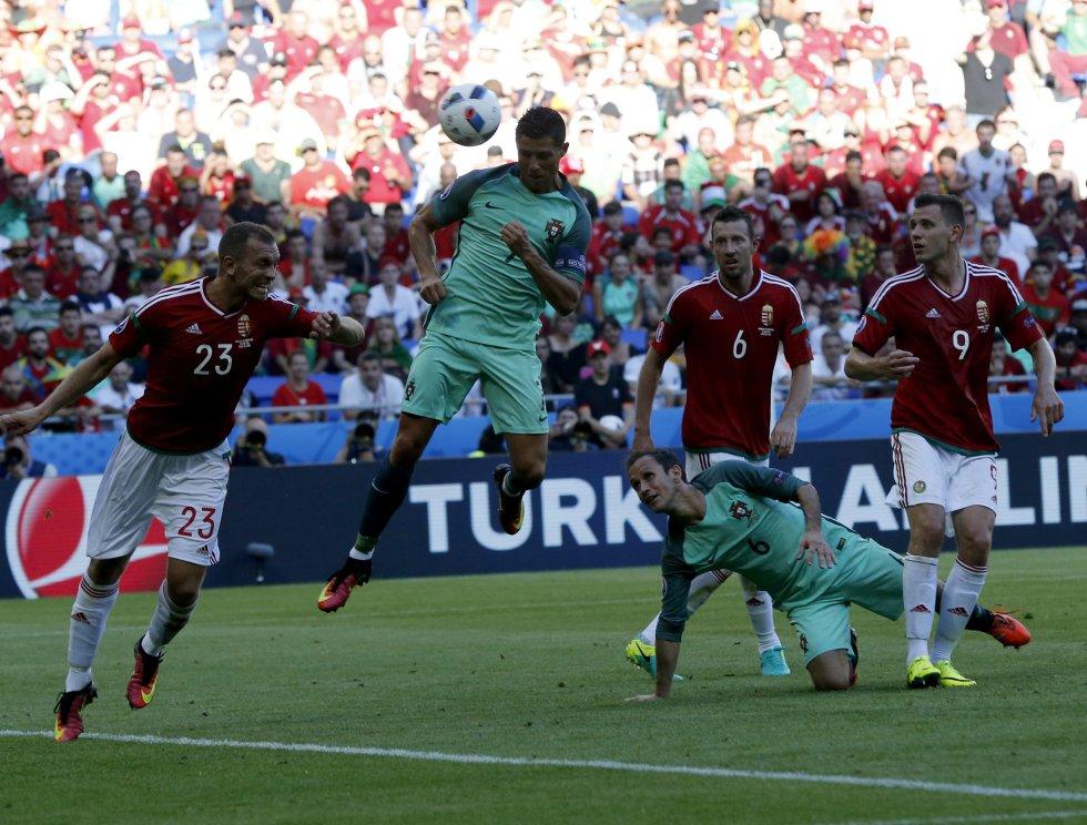 Cristiano Ronaldo en el momento del empate 3-3 para su selección.
